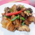 Bếp Eva - Thịt ba chỉ kho nấm đậm đà ngày rét