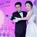 Làng sao - Cô dâu Ngô Quỳnh Anh rạng rỡ trong tiệc cưới