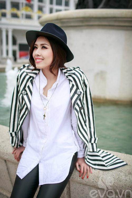 Xuống phố ngày lạnh, HH Việt chuộng áo da-13