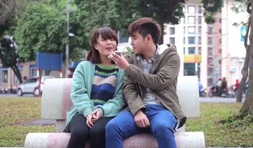 Clip tình yêu chàng trai đưa báo và cô gái mù-3
