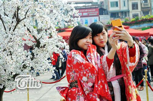Thiếu nữ Việt xinh tươi sườn xám, hanbok-7