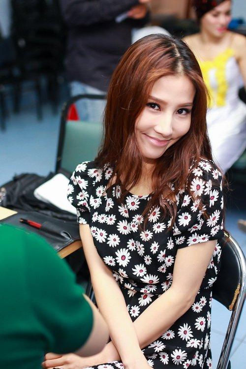 Danh hài Chí Tài choàng vai mẹ Diễm My 9X-2