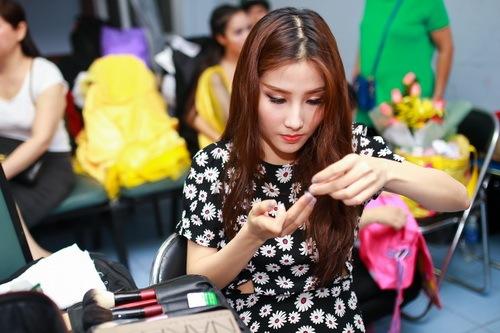 Danh hài Chí Tài choàng vai mẹ Diễm My 9X-3