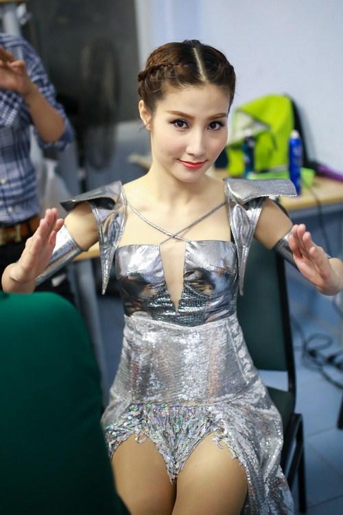 Danh hài Chí Tài choàng vai mẹ Diễm My 9X-8