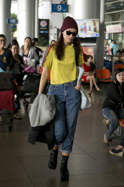 """huyen trang dien style cuc """"chat"""" tai san bay - 4"""