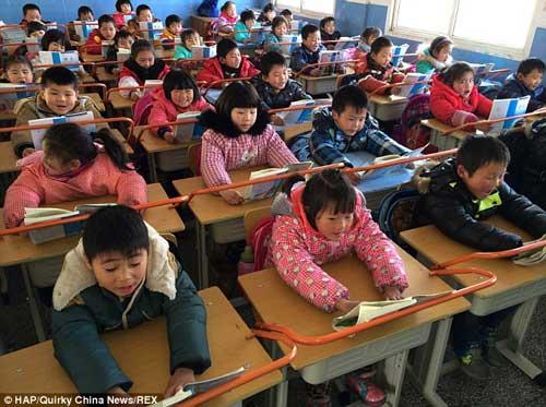 TQ: Trường học lắp khung thép chống cận thị cho HS-4