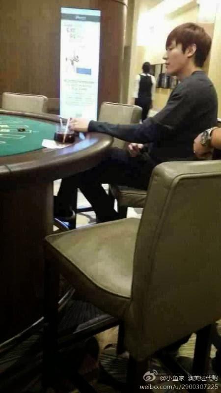 Lộ ảnh Lee Min Ho đánh bài tại sòng bạc - 2