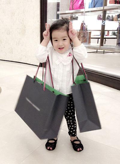 Mê mệt nét dễ thương con gái Lưu Hương Giang - 7