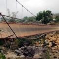 Tin tức - Đứt cầu treo do hơn 40 người đi cùng quan tài