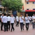 Tin tức - Hiệu trưởng, HS ủng hộ thi tốt nghiệp 2 ngày