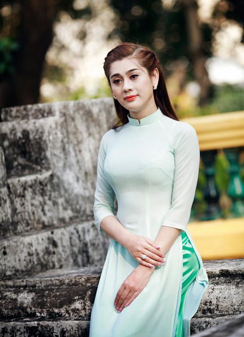 my nhan chuyen gioi duyen dang vói ta áo dài - 11