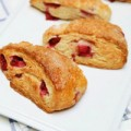 Bếp Eva - Bánh mì dâu tây nướng cực dễ làm