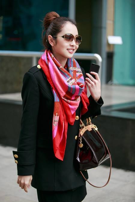 Jennifer Phạm thanh lịch đi uống cà phê-4