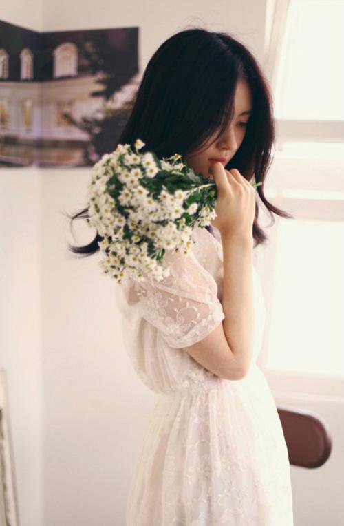 Học sao nữ diện ren trắng tinh khôi-10