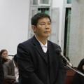 Xử vụ nhân bản xét nghiệm: Bị cáo khóc tại tòa