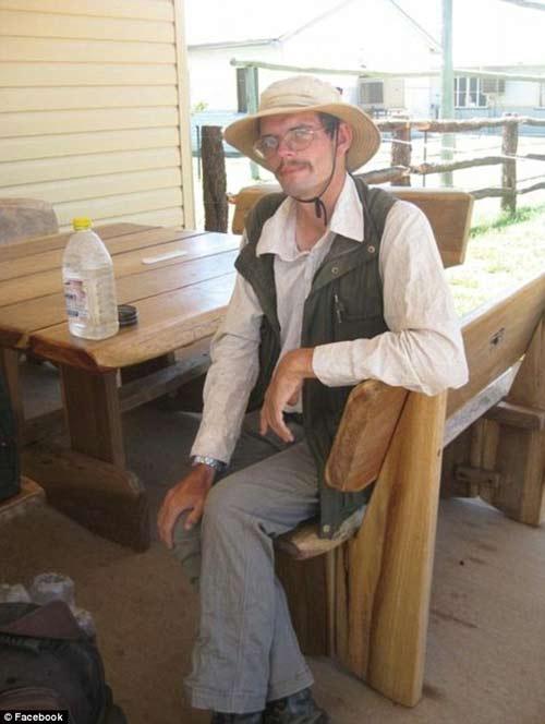Du khách Đức mất tích ở Úc sống sót nhờ ăn... ruồi-1