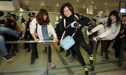 Fan nữ đổ máu vì bám theo Lee Min Ho-3