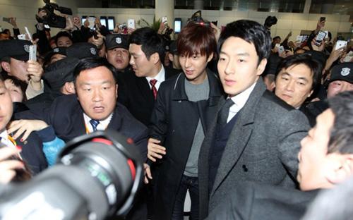 Fan nữ đổ máu vì bám theo Lee Min Ho-6