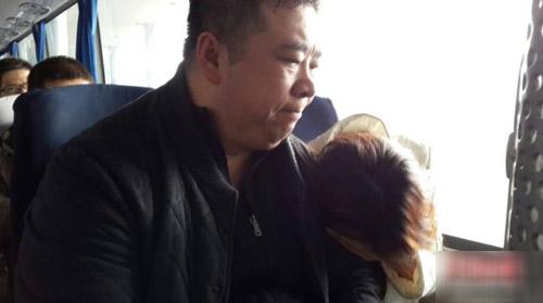 Người thân nín thở ngóng tin chuyến bay mất tích - 11