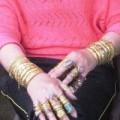Tin tức - Người phụ nữ đeo vàng khắp người lên tiếng