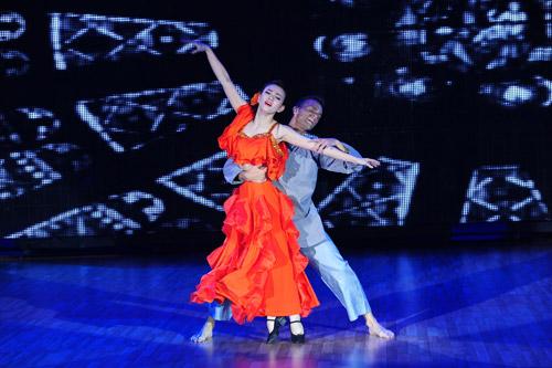 Cơn mưa nước mắt ở Bước nhảy Hoàn vũ liveshow 8-15