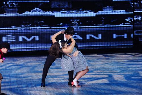 Cơn mưa nước mắt ở Bước nhảy Hoàn vũ liveshow 8-11