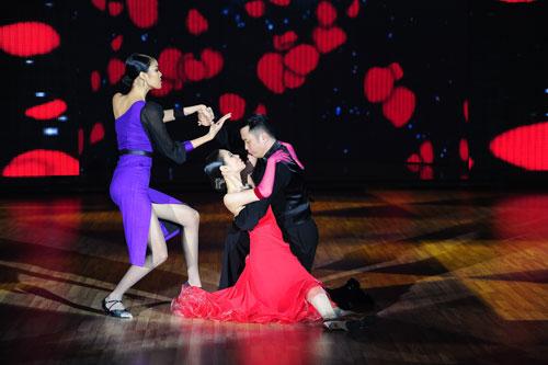 Cơn mưa nước mắt ở Bước nhảy Hoàn vũ liveshow 8-19