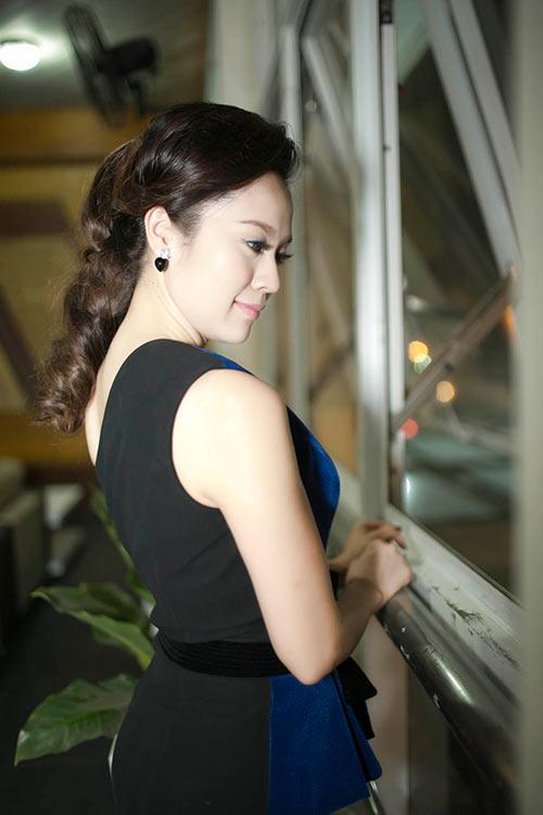 thanh thuy xinh dep di lam giam khao - 3