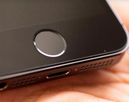 lua chon smartphone mo khoa bang van tay - 2