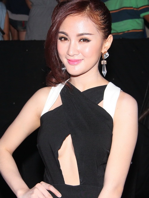 "angela phuong trinh: ""se tham gia bnhv 2015"" - 11"