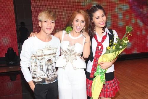 "angela phuong trinh: ""se tham gia bnhv 2015"" - 17"