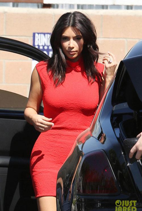 kim kardashian tu tin voi vong 3 do so - 4
