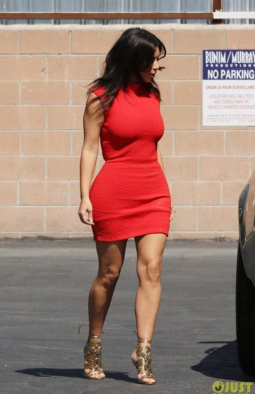 kim kardashian tu tin voi vong 3 do so - 5
