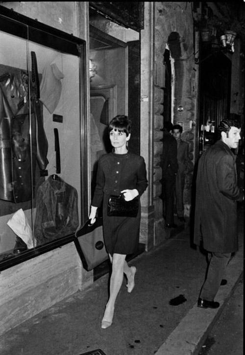 loat anh street style quy gia cua audrey hepburn - 15