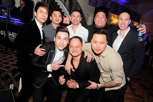 the men banh bao ben cac vu cong sexy o my - 9