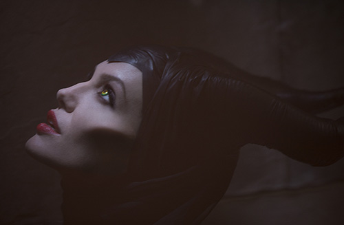 angelina jolie quyen ru me hon trong maleficent - 1