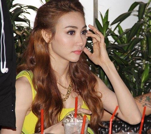 ngan khanh, thu thuy an mung chien thang - 11