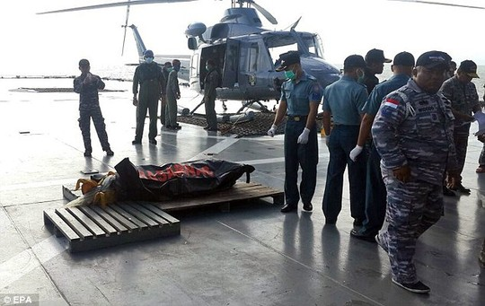 "qz8501 ""nhu bi nem thang xuong bien"" - 2"