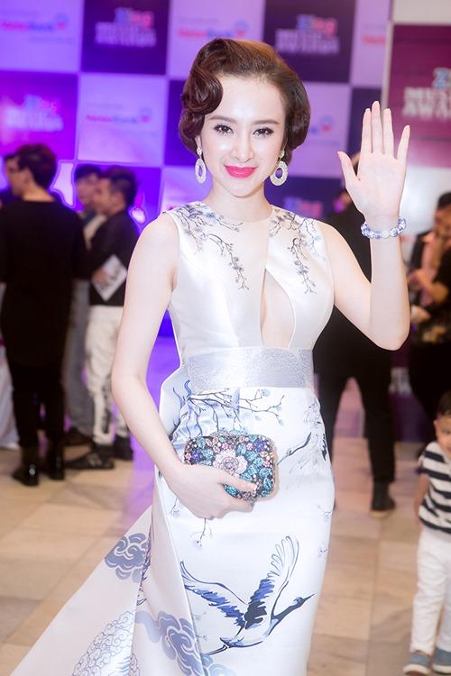 angela phuong trinh long lay nhu ba hoang tren tham do - 10