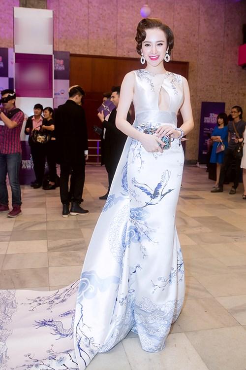 angela phuong trinh long lay nhu ba hoang tren tham do - 4