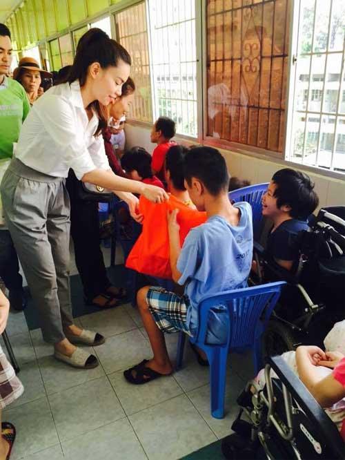 chong diem huong cam cui lap xe day cho con sap sinh - 13