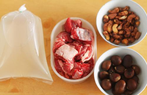 Cách nấu bò hầm hạt dẻ thơm lưng & cực ngon đãi cả nhà
