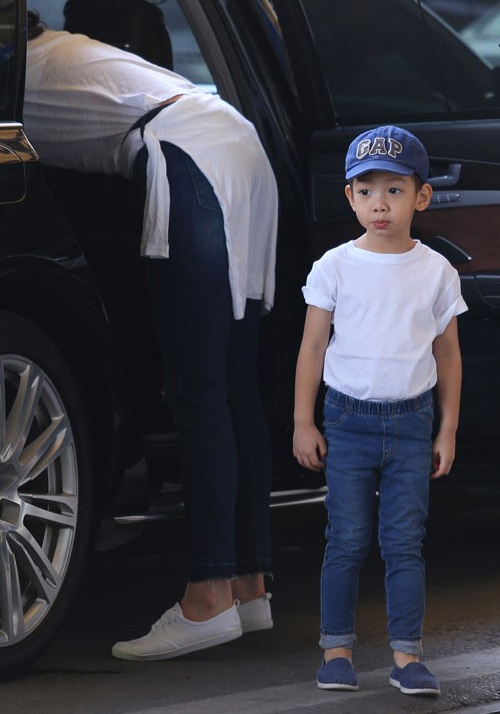 tuyen tap quan jeans chat lu cua con trai ho ngoc ha - 10