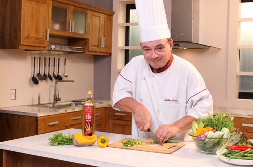 Bí quyết nấu ăn từ bếp trưởng nhà hàng năm sao-1
