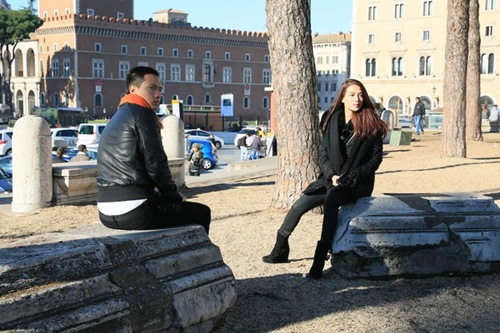 Trương Ngọc Ánh - Kim Lý tình cảm trên đường phố Italy-1
