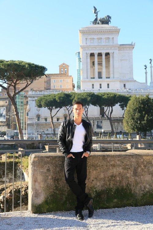Trương Ngọc Ánh - Kim Lý tình cảm trên đường phố Italy-7