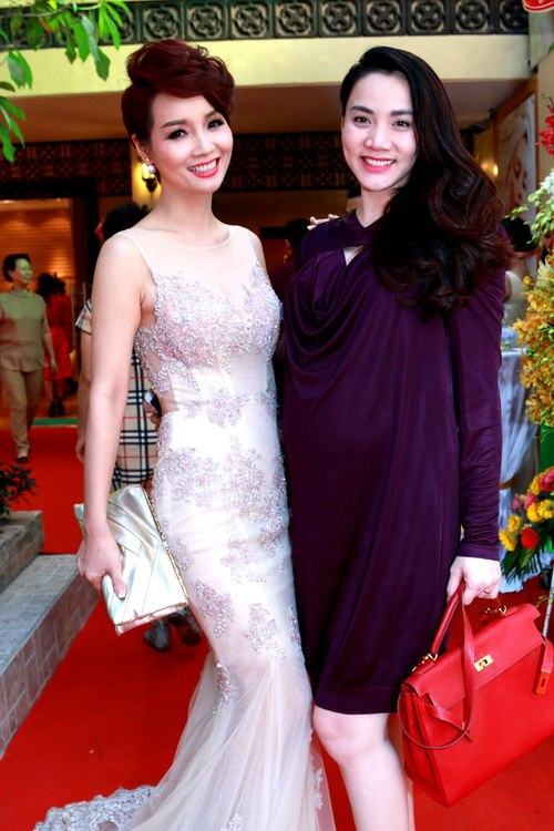 Trang Nhung khoe bụng bầu 7 tháng bên Mai Thu Huyền-8