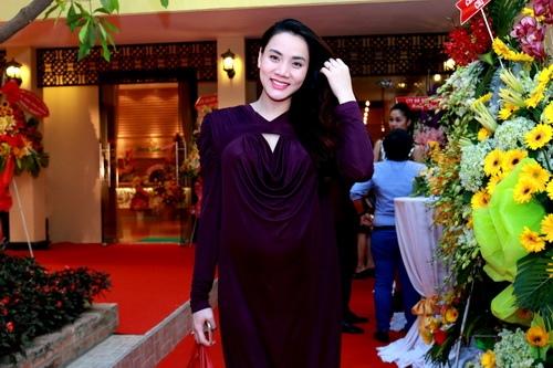 Trang Nhung khoe bụng bầu 7 tháng bên Mai Thu Huyền-1
