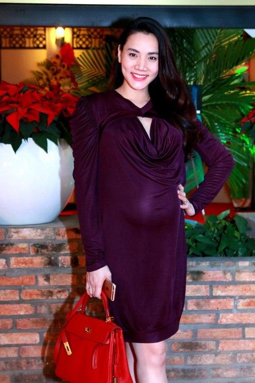 Trang Nhung khoe bụng bầu 7 tháng bên Mai Thu Huyền-2