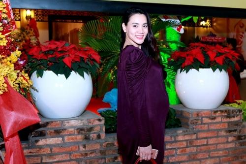 Trang Nhung khoe bụng bầu 7 tháng bên Mai Thu Huyền-3